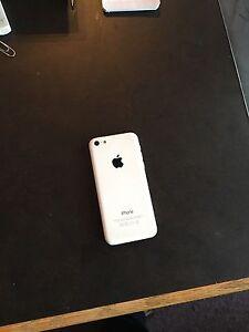 I phone 5  8 gig faites une offre!!