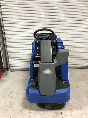 Windsor Saber Glide 36v Ride On Floor Scrubber 28 New Batteries Free Shipping