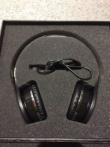 Headrush 4.0 headphones
