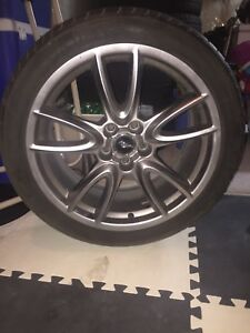 255/40 ZR 19 Mustang Rims and Tires
