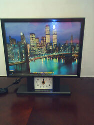 TABLE TOP CLOCK ( NEW YORK)