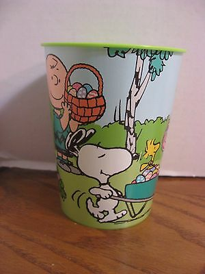 Peanuts Easter Linus, Lucy, Sally, Snoopy, Woodstock, Charlie Brown - 16 oz. Cup
