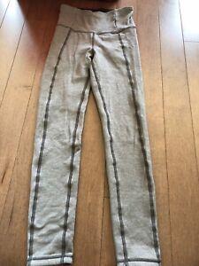 Ivivva sz 8 thick reversible tight (legging)