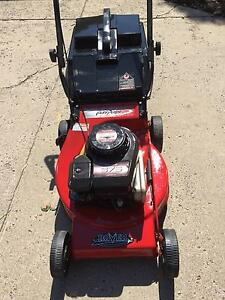 Rover Briggs & Stratton 4 Stroke Mower recently serviced Little Mountain Caloundra Area Preview