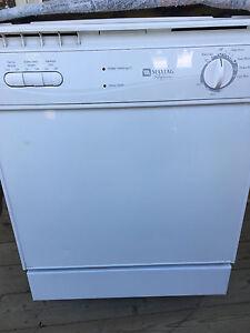 Maytag Dishwasher built in