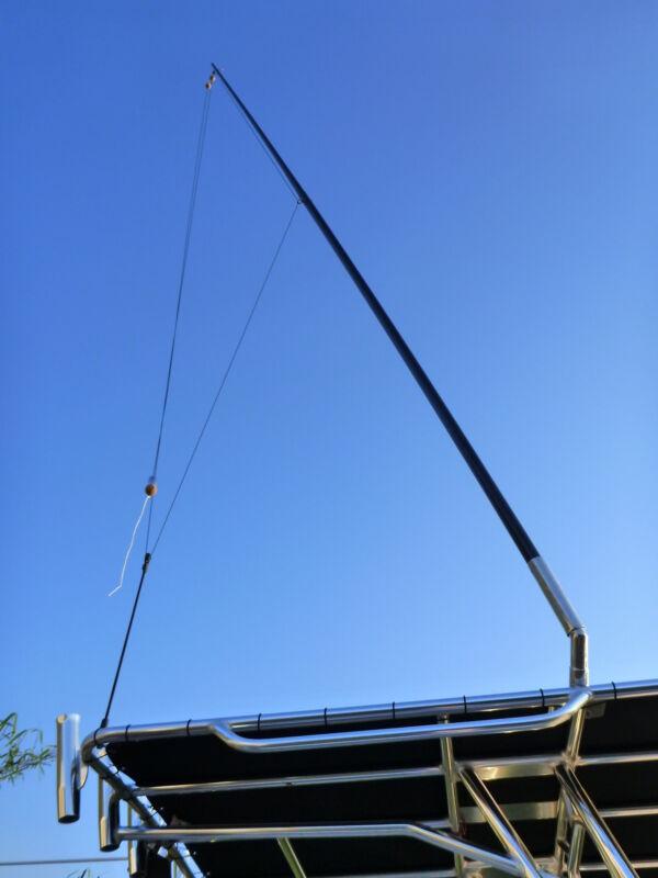 2 x 3.5 metre Outrigger Poles Excellent light tackle poles. Ultra lightweight