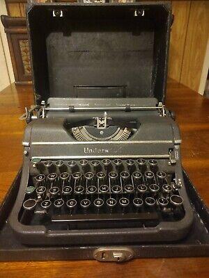 Antique Underwood Universal Typewriter 1940