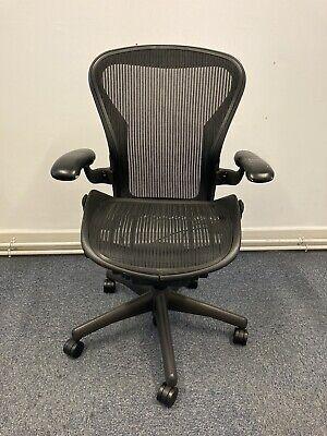 Herman Miller Aeron Black Office Swivel Chair Size B
