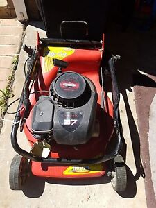 Rover Briggs and Stratton 4 stroker mower Engadine Sutherland Area Preview