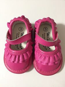 Wee Squeaks toddler size 3 leather shoes - like new
