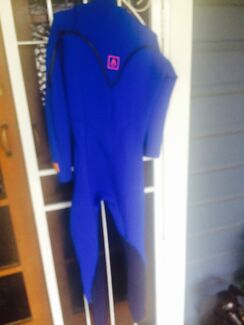 wetsuit agent18 one of the best size small Curl Curl Manly Area Preview