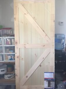 NEW!! Hanging barn style door and hanging kit