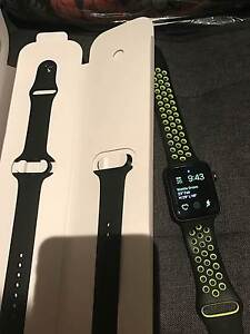 appleiwatch serices2nike+ edition with two spair bands no scratch Wattle Grove Liverpool Area Preview