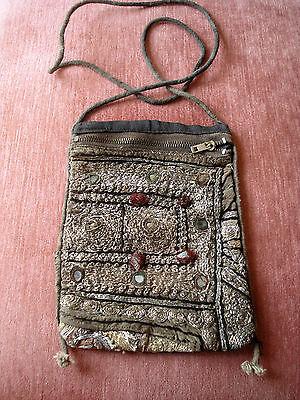Antike Stickerei als Tasche Schultertasche aus Indien um 1800, ca. 18x13,5 cm