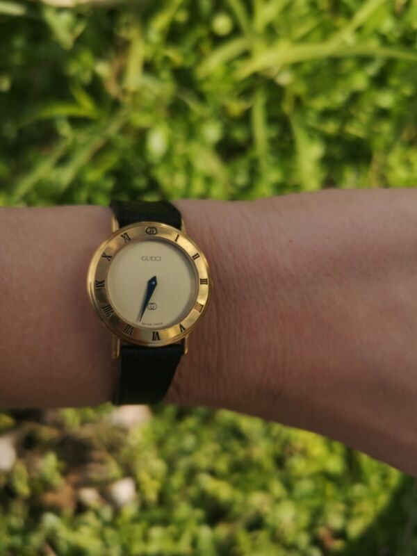 Vintage GUCCI Ladies Gold Plated  Watch 3000L