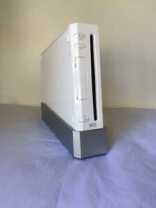 Wii gaming console   Wii Fit Board   4 games Mirrabooka Stirling Area Preview