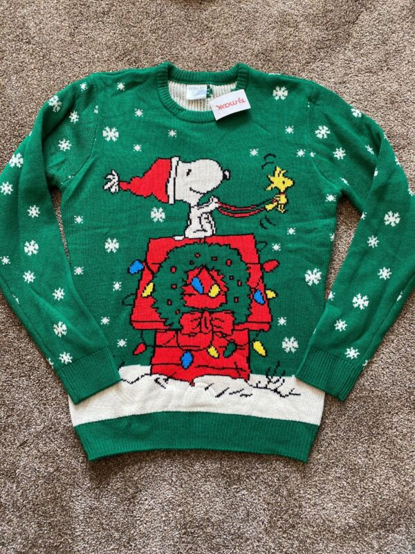 NWT Peanuts Snoopy Woodstock Christmas Sweater Unisex Small