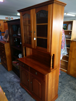 ASSORTED QUALITY FURNITURE