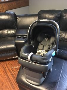 High end uppababy mesa car seat almost new!!