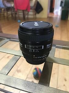 Nikon 85mm 1.8D Lens w/ new Tiffen UV filter