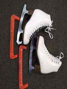 Figure Ice Skates Riedel 121wide 71/2 white Newcastle West Newcastle Area Preview