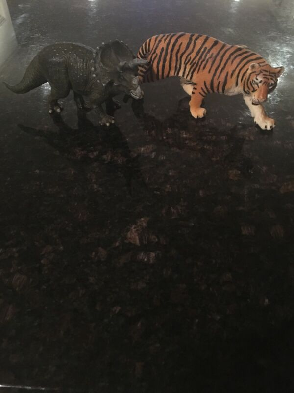 Triceratops and Siberian Tiger Papo Animal Wildlife Figure Decor Collectible