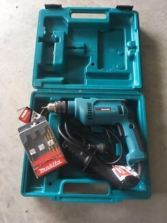 Makita HP1620 Drill