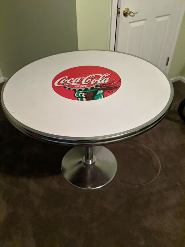 Coca Cola Table Set Collectable Vintage with four  chairs 🥤🥤🥤