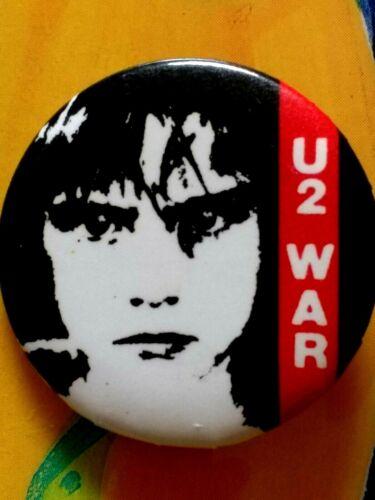 U2 vintage ORIGINAL 1983 pin WAR promo button IRISH rock BONO the edge HTF tour