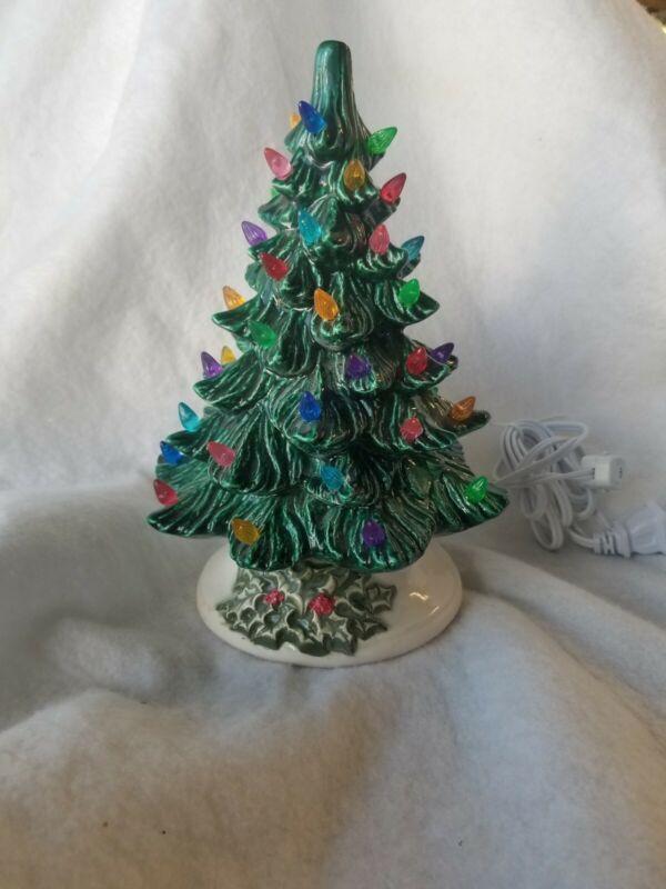 Ceramic Christmas Vintage Mold  New Small GREAN TREE HOLLY BASE  USA