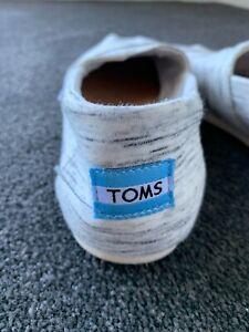 TOMS women's shoes size 7.5