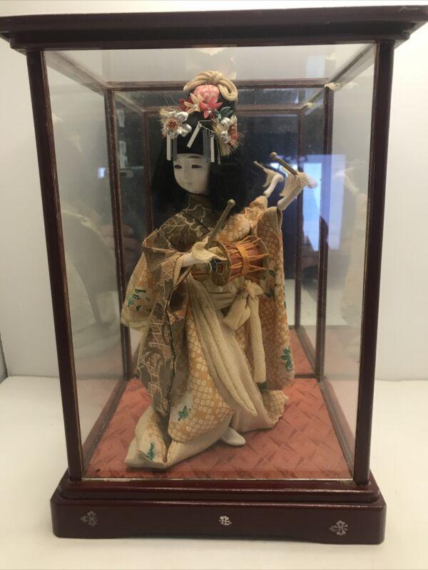 Vintage Japanese Geisha Doll Kimono In Glass Case