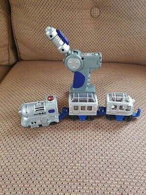 FISHER PRICE GEOTRAX REMOTE CONTROL TRAIN Silver/blue TESTED 4 PIECE