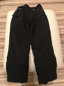 REDUCED - Youth Medium Under Armour Ski Pants - Mint