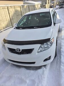 2009 Toyota Corolla LE Push start very clean car inside out