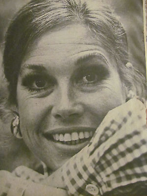 Mary Tyler Moore, Full Page Vintage Pinup