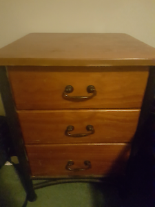 Bedside table Richmond Hawkesbury Area Preview