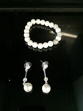 Matching silver pearl bracelet and drop earrings! North Lambton Newcastle Area Preview