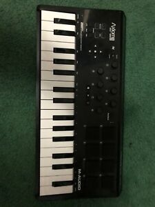 32 key MIDI keyboard