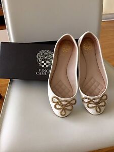 Flats - size 7 Vince Camuto