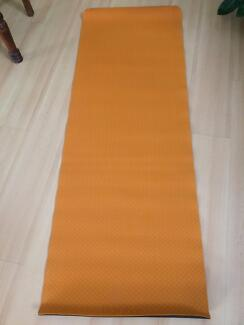 YOGA MAT GREAT CONDITION ALMOST NEW