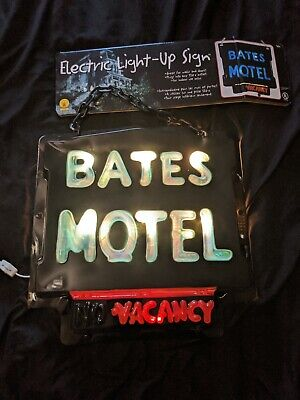 Bates Motel Sign (Collector Bates Motel Vacancy Psycho Electric Sign Open Box Never)