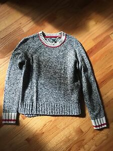 Roots sweater size S
