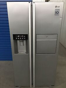 LG 567L Stainless Steel Fridge/Freezer (2 Years old) Adelaide CBD Adelaide City Preview