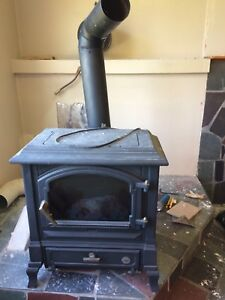 Gravity fed oil stove great for camp