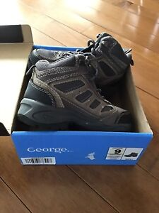 GEORGE BRAND, SIZE 9, IN BOX, WORN ONCE, LACE HIKING BOOT