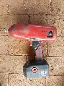 Snap on rattle gun 2 batteries and charger Tamworth Tamworth City Preview