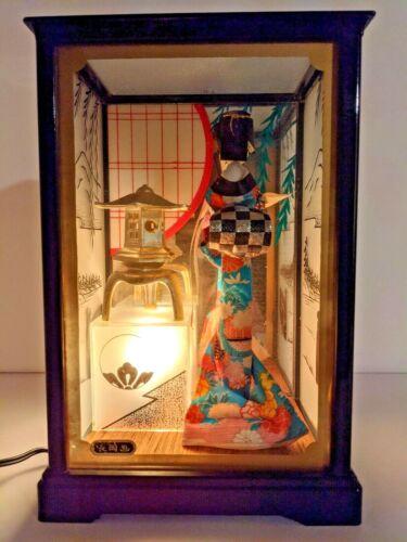Geisha figurine with glass box and shadow andon lamp Japan shipped by DHL