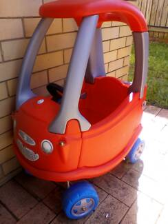Kids play car
