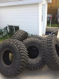 5 Maxxis Creepy Crawler 38x13-15LT
